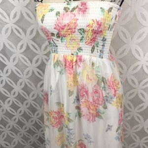 6232879dde20 Old Navy Dresses - Old Navy Floral Chiffon Maxi Tube Dress